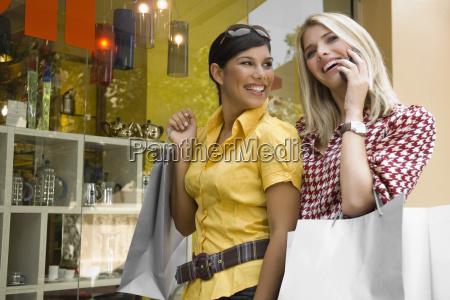 giovane, donna, che, parla, su, un - 3409607