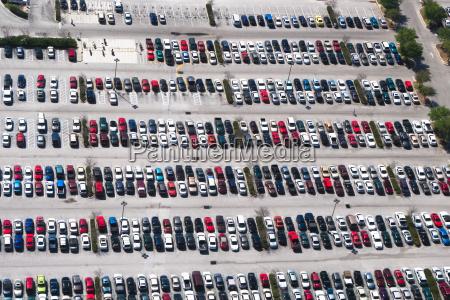 viaggio viaggiare citta traffico auto veicolo