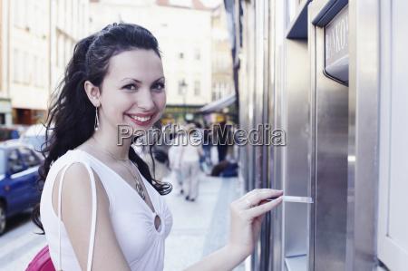 donna profilo banca persone popolare uomo