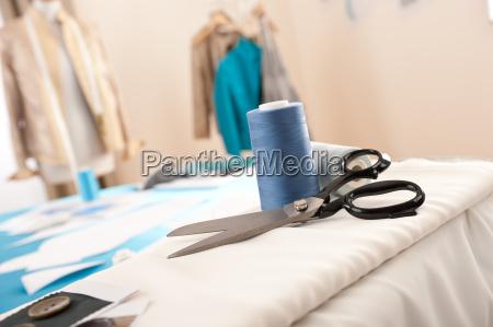 studio fashion designer con attrezzature professionali
