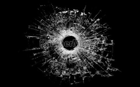 foro di proiettile in vetro isolato