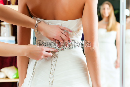 sposa con un outfitters sposa