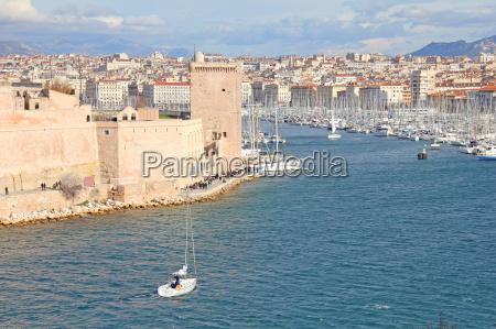 acqua mediterraneo acqua salata mare porto