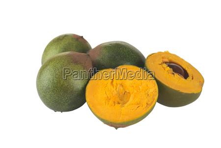 frutta peruviana chiamata lucuma