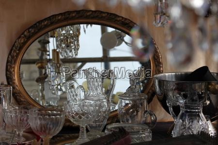 antico lucentezza riflessi di vetro mercatino