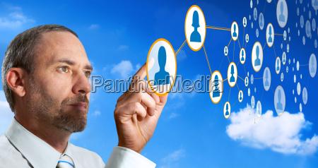 futuristico rete cloud computer