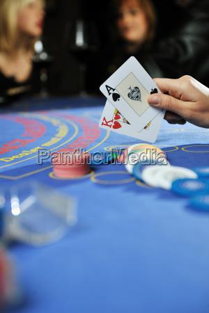 donna giocare gioco di carte jack