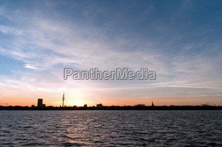 tramonto sera controluce amburgo torre della