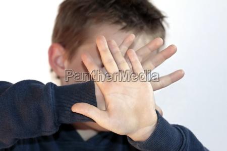 paura violenza giovani bambino
