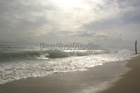 luce riva del mare spiaggia onde