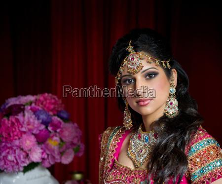 donna moda nozze matrimonio convivenza gioielli