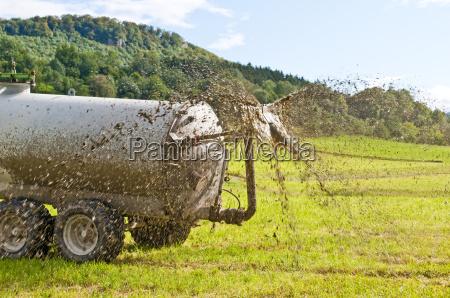 trattore guida concime