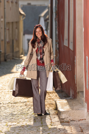 donna di acquisto di autunno vestito
