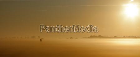 nebbia alba controluce palchetto postazione tingere
