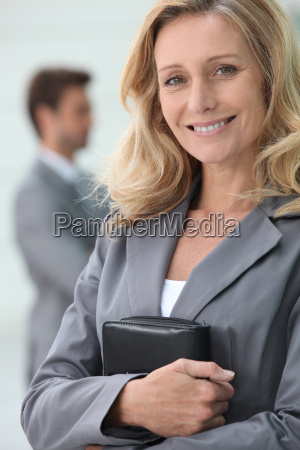 risata sorrisi amichevole donna daffari donna
