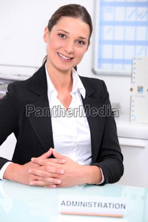 donna avoro servizio comunicazione bello carino