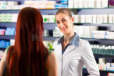 donna consulenza salute assistenza sanitaria consigliare