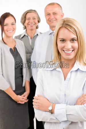 business team giovane donna con maturo