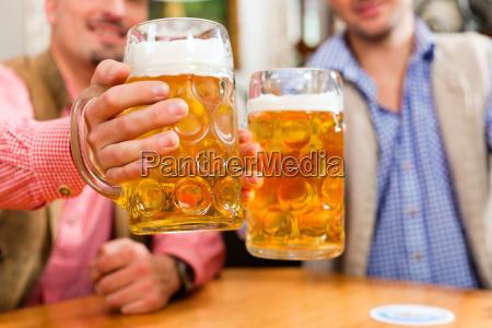 uomini uomo baviera birra boccale di