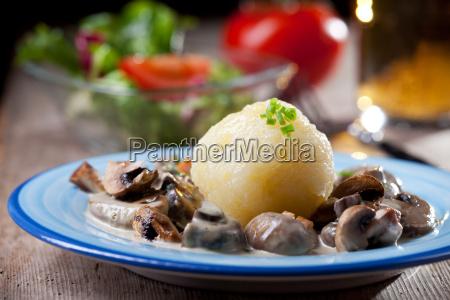gnocchi di patate con salsa di