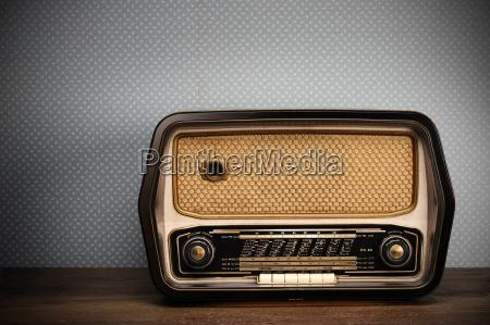 radio depoca su sfondo depoca