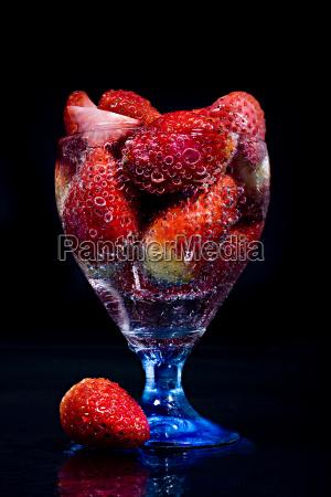 frutta fruttato rinfrescante fragola fragole acqua