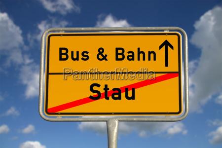 stoccaggio ortsschild tedesco e treno e