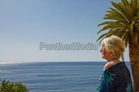 donna fondi pensione vacanza vacanze anziano