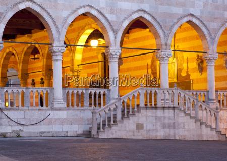 volta stile di costruzione architettura colonna