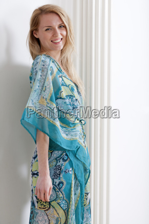 donna moda femminile estate femmina vestirsi
