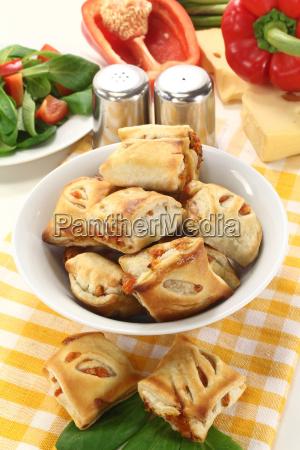 biscotto paprika peperoni formaggio cipolle sfoglia