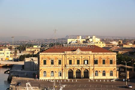 sicilia guardia costiera italia costruzione vecchio