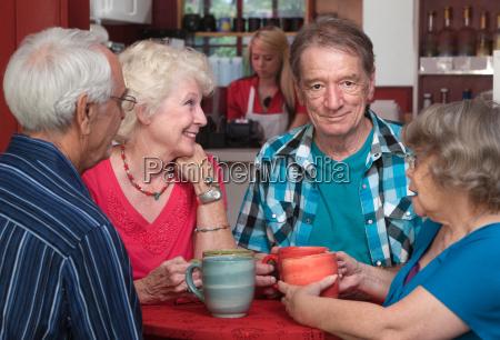 caffe caucasico bianco adulto adulti contento