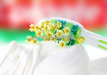 toothbrush con i fiori molto piccoli
