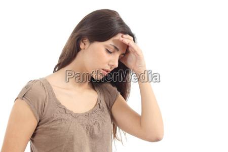 donna con un mal di testa