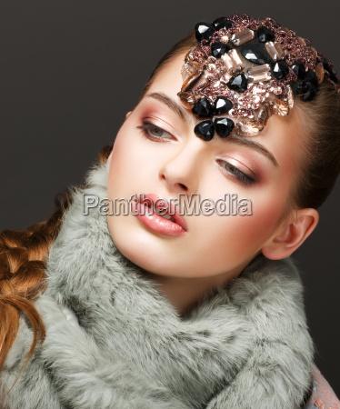 donna moda alla moda trendy inverno