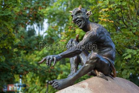 statua resina demone diavolo diavoli strega