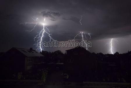 notte tempesta temporale lampi flash cielo