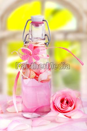 olio di rosa per la terapia