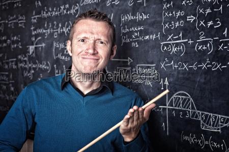 insegnante professore maestro lavagna studente partecipante