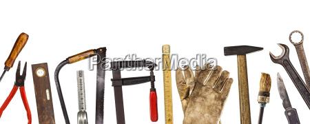 vecchi strumenti isolati su bianco