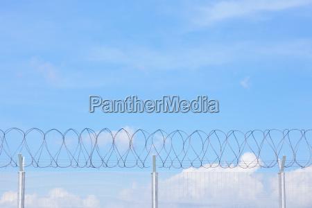 blu nuvola croce catena rete galera
