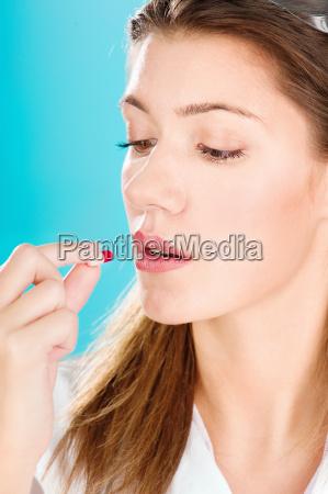 donna salute guarire farmaco curare medicamento
