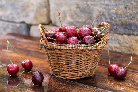 nostalgia freschezza pomacee retro ciliegie pioggia