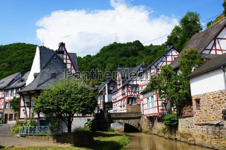 ponte torrente germania idillio villaggio