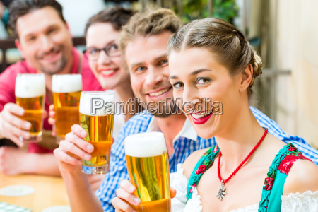 donna ristorante baviera birra costume costume