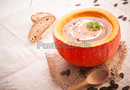 zuppa di zucca autunno colorato