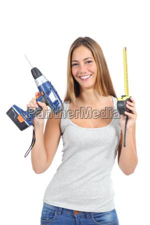 donna misura potenza elettricita energia elettrica