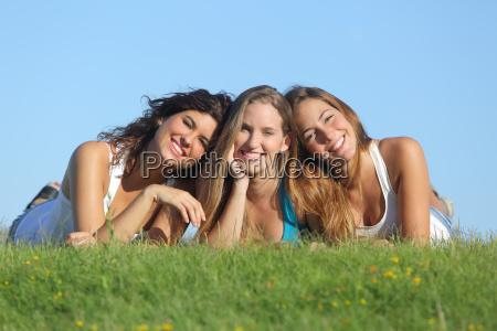 ritratto di un gruppo di tre