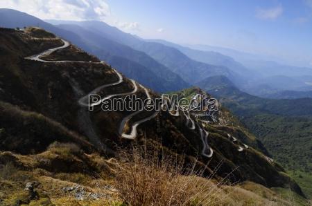 strade curve sulla vecchia strada di